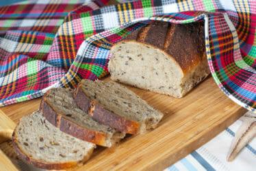 Пшеничный хлеб с солодом и льном